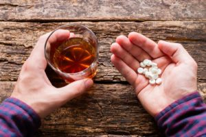 The Dangers of Mixing Alcohol with Percocet